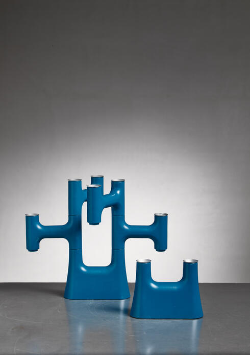 Bloomberry - Pair of blue candle holders