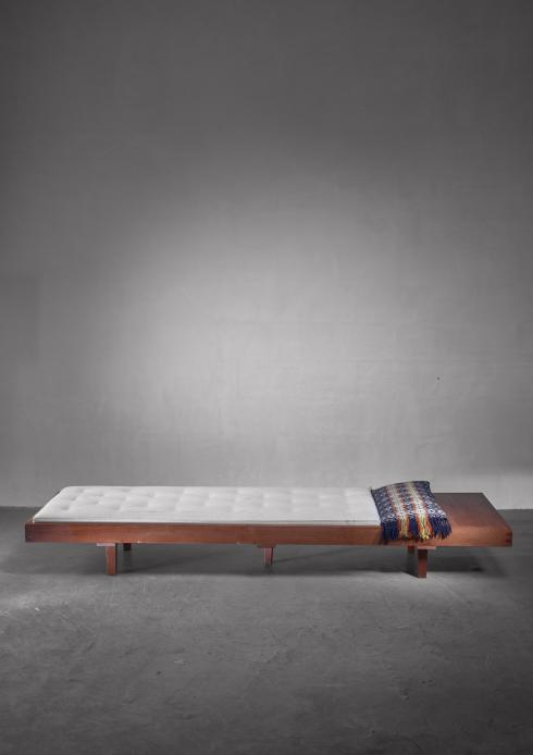 Bloomberry - Mid Century Daybed with head table, France