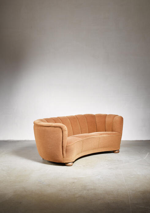 Bloomberry - Curved Danish sofa, 1940s