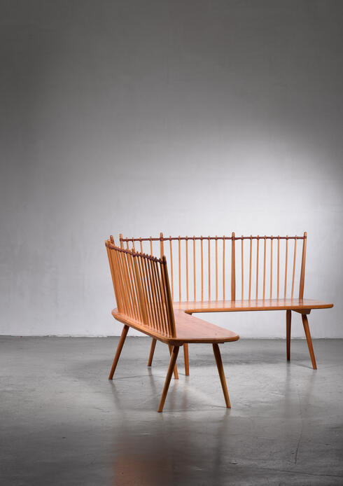 Bloomberry - Albert Haberer corner bench