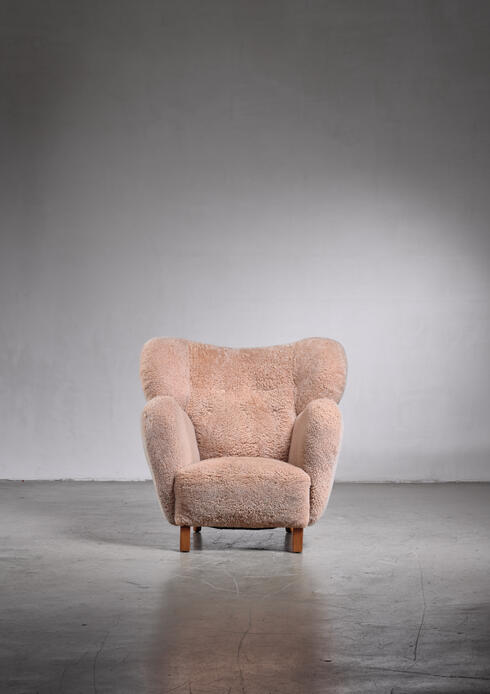 Bloomberry - Lounge chair with lambskin upholstery, 1940s
