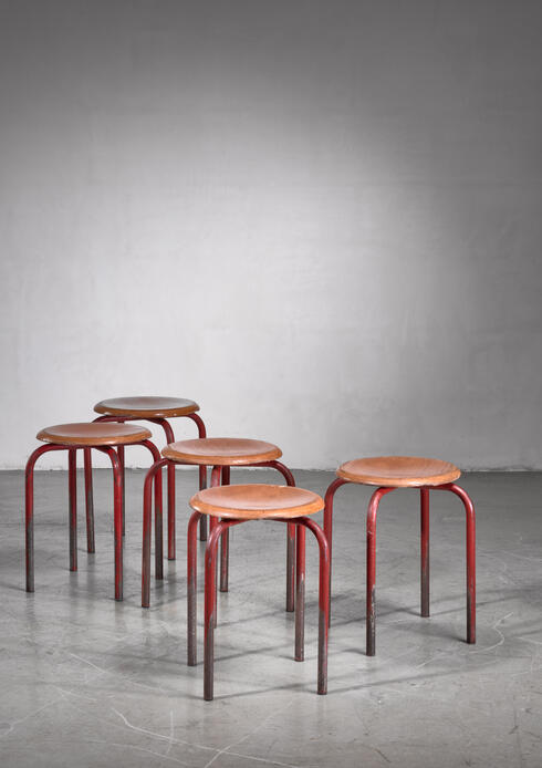 Bloomberry - Set of 5 Atelier Prouvé stools