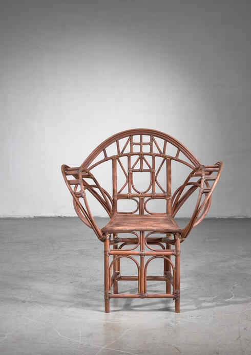 Bloomberry - Curved hand-crafted willow chair, Austria
