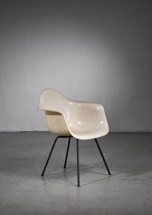 Bloomberry - Charles and Ray Eames Zenith chair
