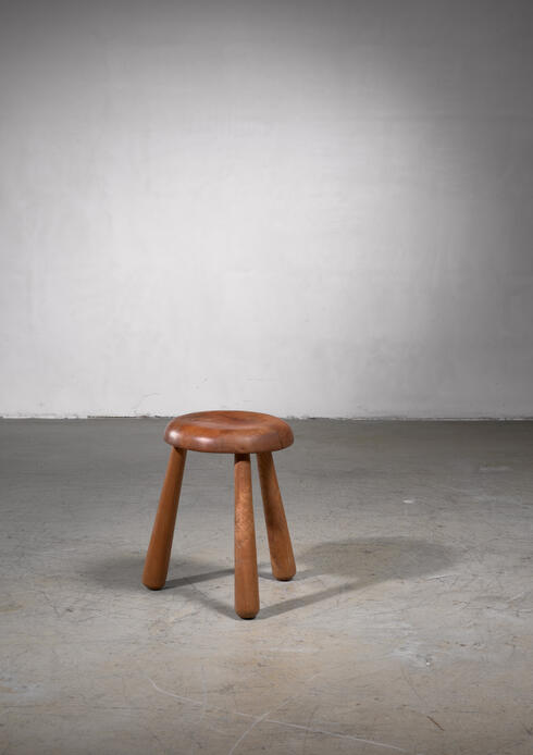 Bloomberry - Tripod ash stool