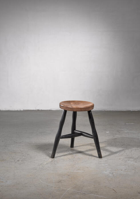 Bloomberry - Tripod Stool with Thick Wooden Seat