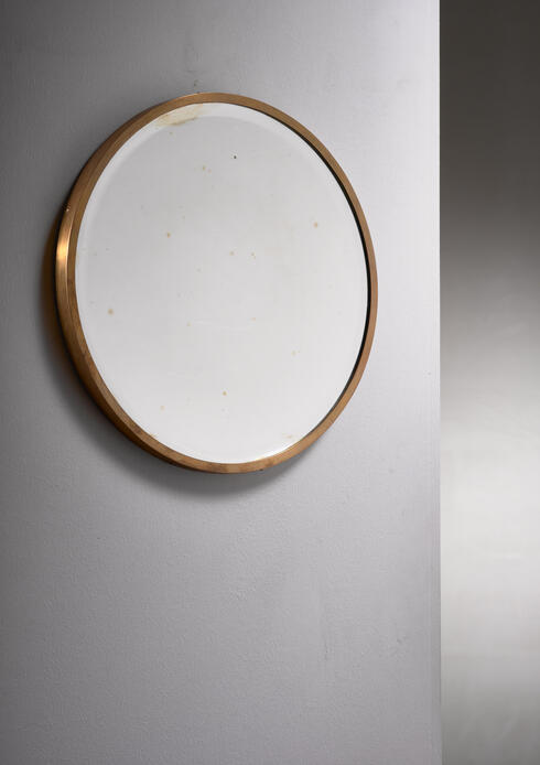 Bloomberry - Round brass wall mirror
