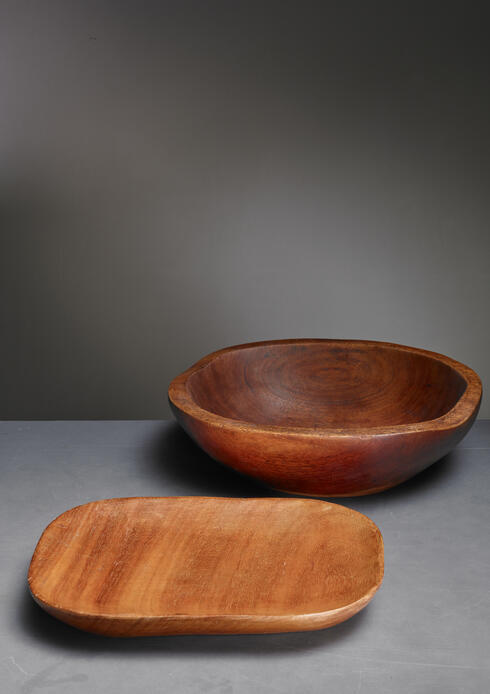 Bloomberry - Alexandre Noll sculpted wooden platter with bowl, France, 1950s