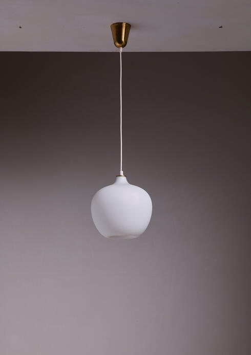 Bloomberry - Tapio Wirkkala Opaline Glass Pendant for Idman, Finland, 1950s