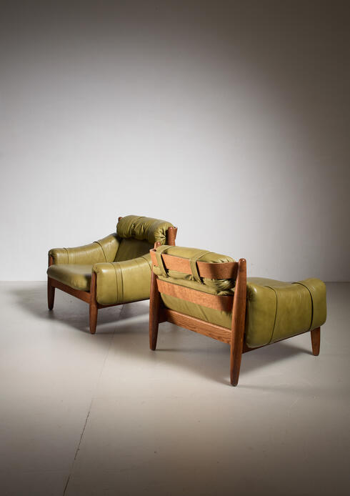 Bloomberry - Pair of oak lounge chairs with green leather cushions