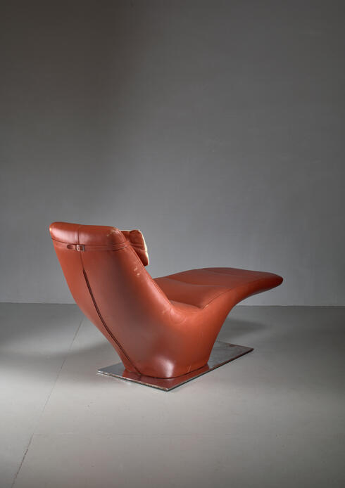 Bloomberry - Leather Chaise Longue with Cowhide Pillow, 1960s
